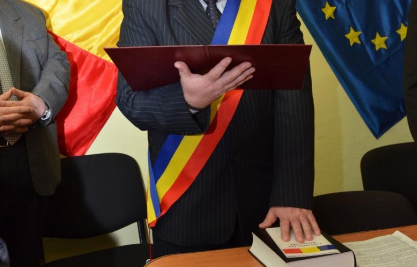 Absurd de România. Un primar ales cu 88% din voturi a rămas fără mandat