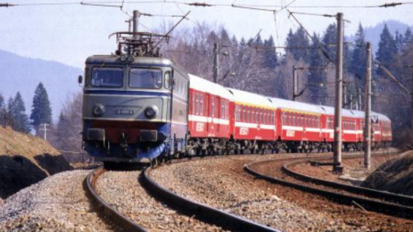 Din 2024, CFR va trebui să despăgubească călătorii dacă trenurile vor avea întârzieri