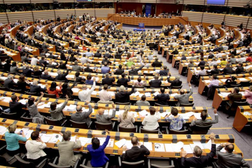 Parlamentul European a votat raportul europarlamentarului Dan Nica: 95,5 de miliarde de euro pentru cercetarea europeană