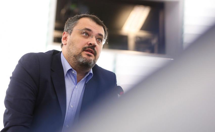 """Dezinteres major în teritoriu față de politicile """"încurcate"""" ale noii guvernări"""