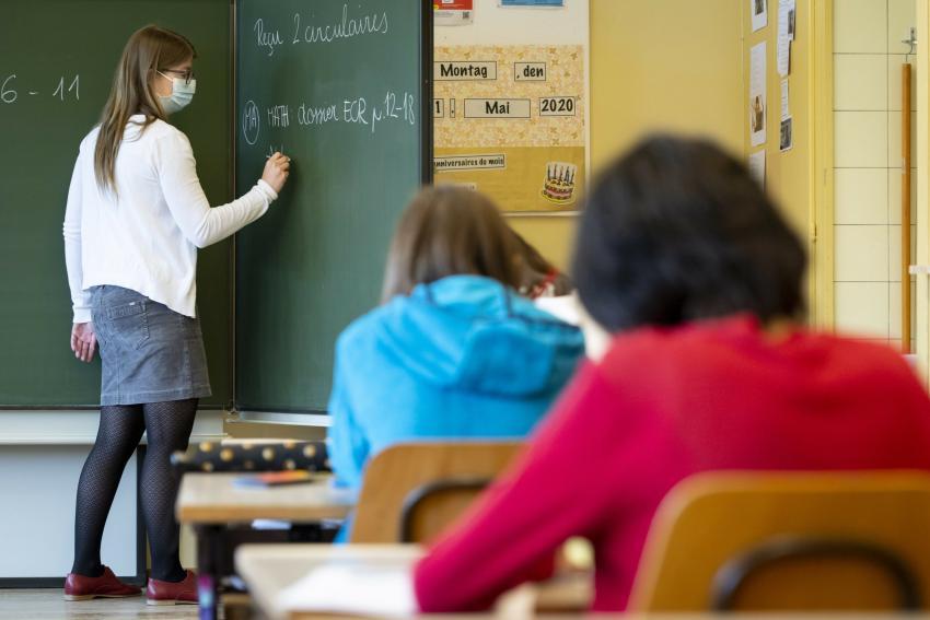 Tătaru anunță reguli noi pentru profesorii care prezintă risc la coronavirus