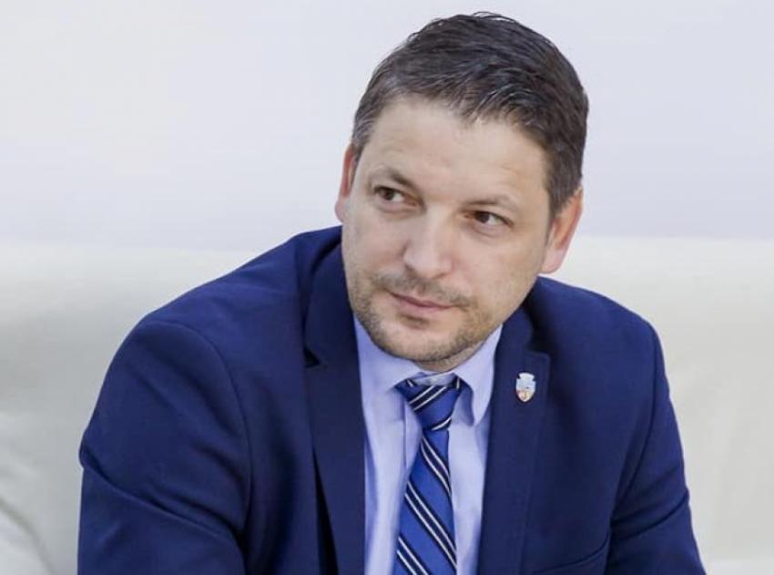 Senatorul Marius Humelnicu, martor la un moment memorabil. Preşedintele Israelului a ținut un discurs în Parlamentul României