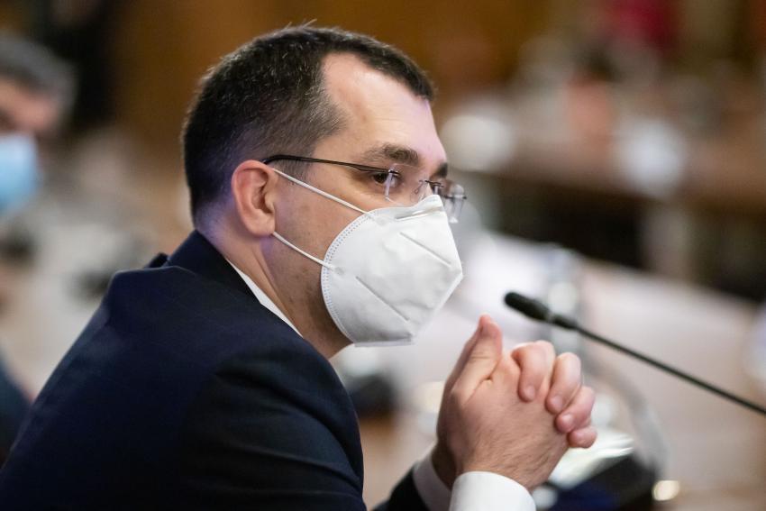 Vlad Voiculescu, demis de la Sănătate! Cine îi va lua locul