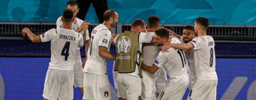 Italia s-a calificat în optimile EURO