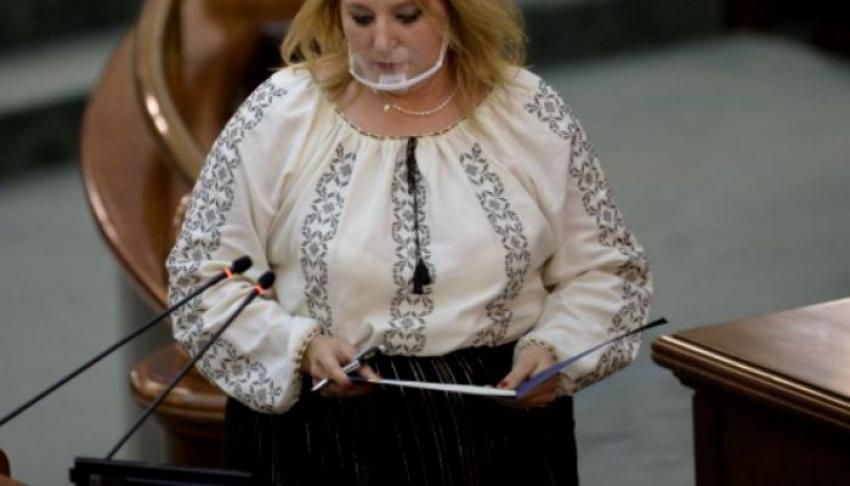 """Diana Şoşoacă: """"Românii sunt un popor laş"""""""