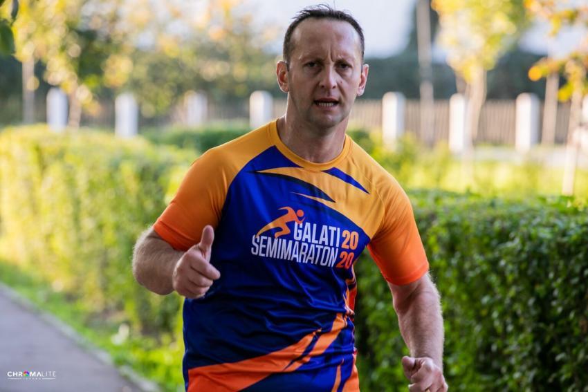 Jandarmul gălățean Cristian Onofrei a alergat Semimaratonul de 10 km în curtea unității