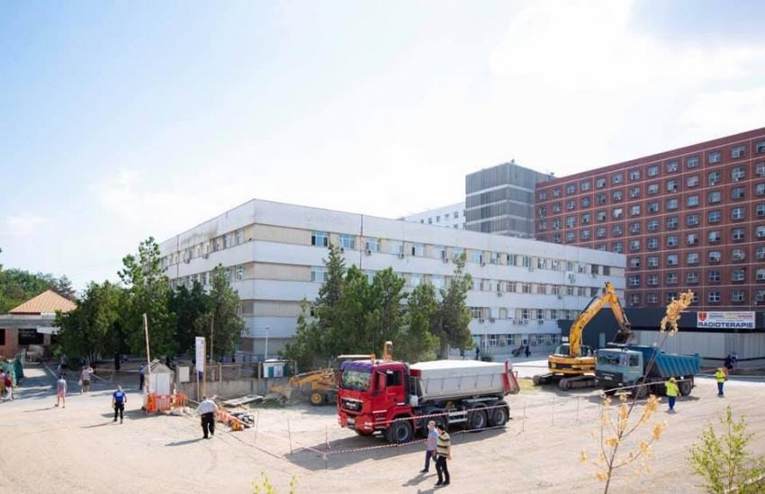 Se lucrează la Ambulatoriul Spitalului Județean din Galați. Proiectul Consiliului Județean are valoarea de 2,5 milioane de euro