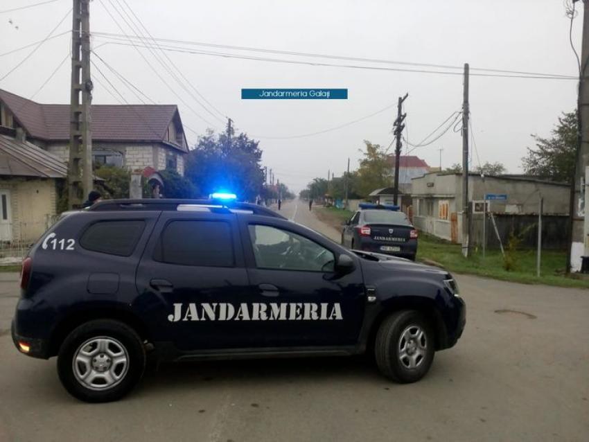 Un bărbat din Galați, prins în flagrant când încerca să fure bunuri dintr-o maşină. Proprietarul a sunat la 112