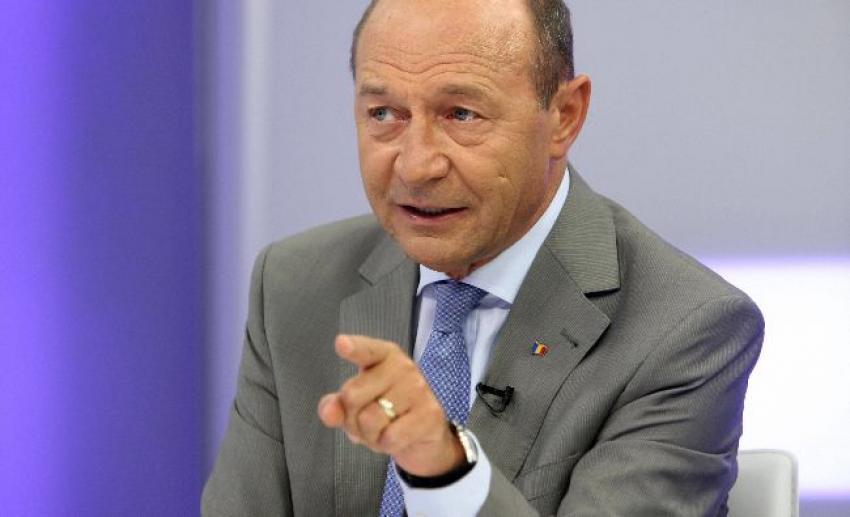 Băsescu, mesaj dur pentru Klaus Iohannis:'Doar așa se mai poate evita un dezastru sanitar'