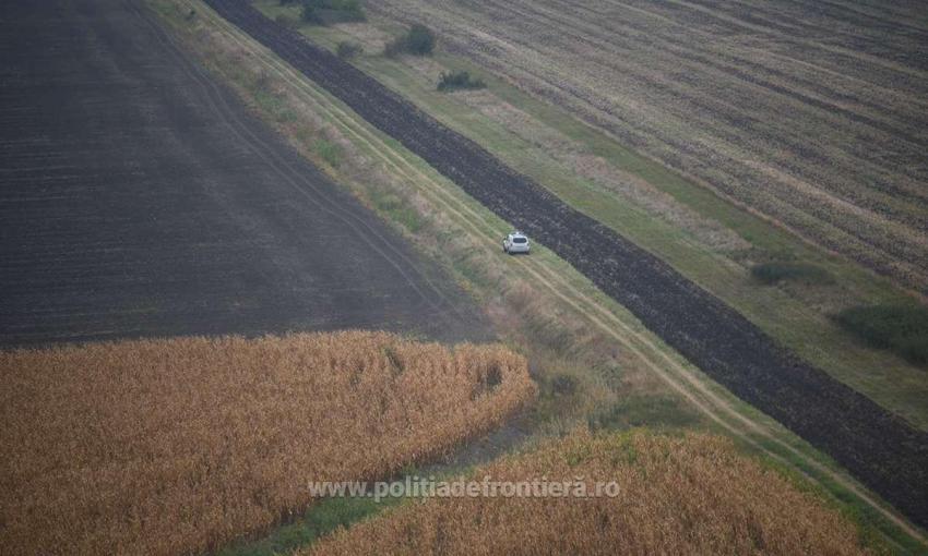 Peste 100 de migranți au încercat să intre ilegal în țară din Serbia