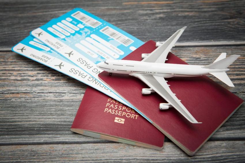 Biletele de avion se SCUMPESC