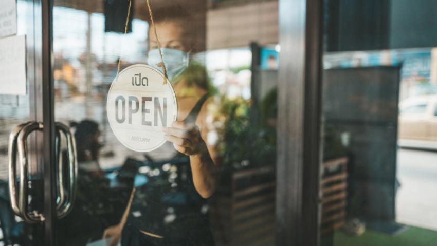 Guvernul ia în calcul redeschiderea restaurantelor cu o condiție. Anunțul premierului Cîțu