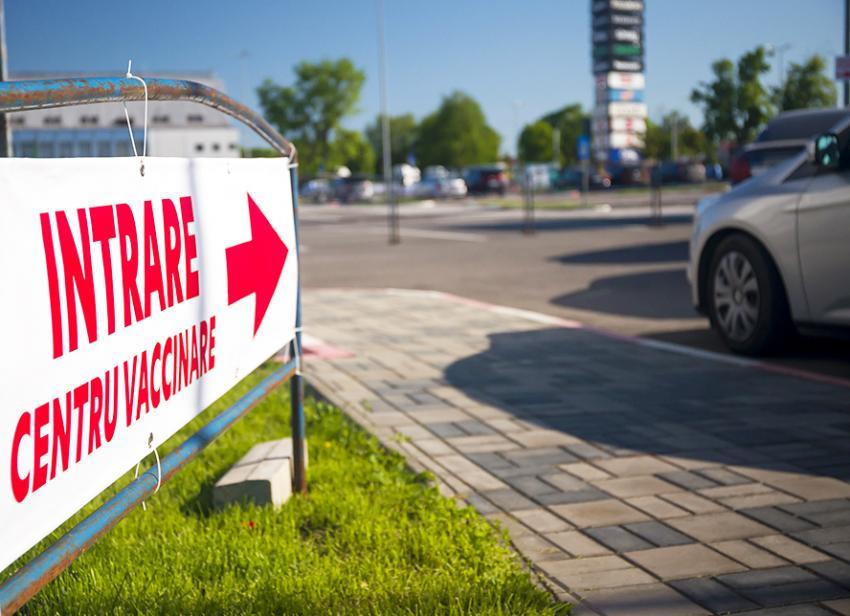 Centrul de vaccinare drive-thru din orașul Galați va fi deschis încă o lună